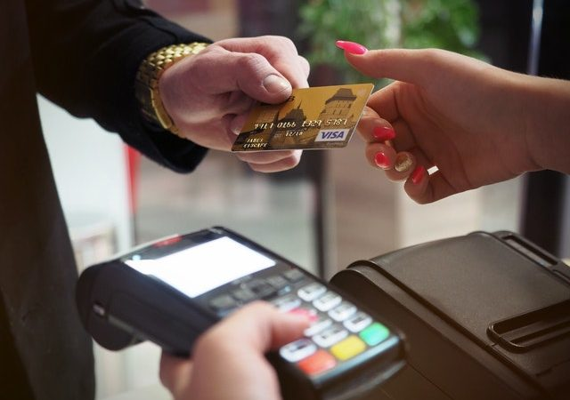 How Do Co-Branded Travel Credit Cards Work?